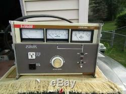 Staco E1010VAW Bench Variable AC Power Supply Volts Analog Meter Amps Watts Trip
